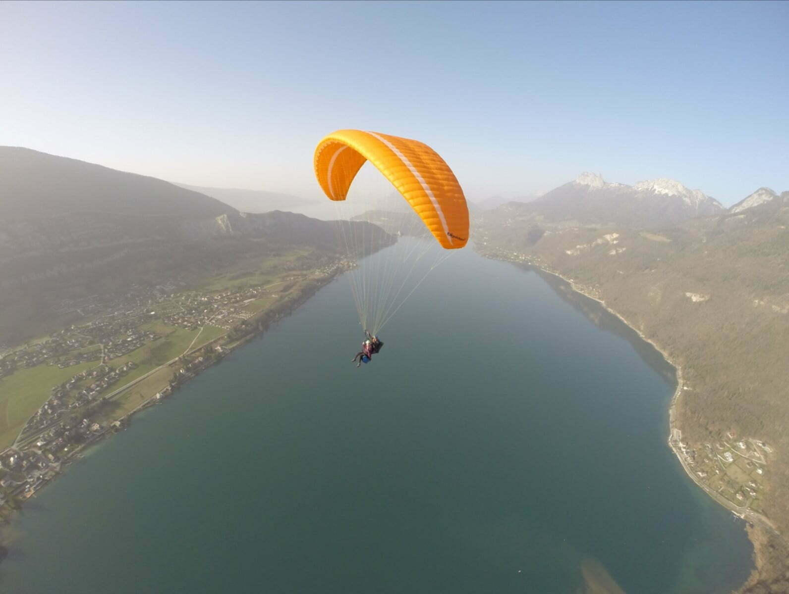 What is that sound you sometimes hear when paragliding?